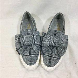 Nine West Plaid Bow Tie Shoes. SO CUTE